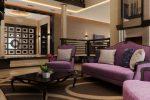 Сочетание лилового и коричневого в гостиной