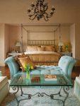 Спальня фиолетовый и бирюзовый