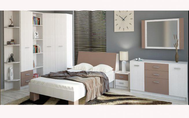 Спальня с комодом в бело-сиреневых тонах
