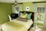 Зелёный интерьер спальни