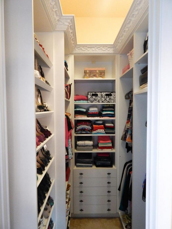 Как сделать гардеробную: планировка и наполнение 54