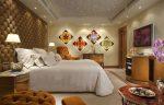 Дизайн спальни с постерами
