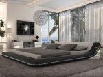 Спальня с необычным декором