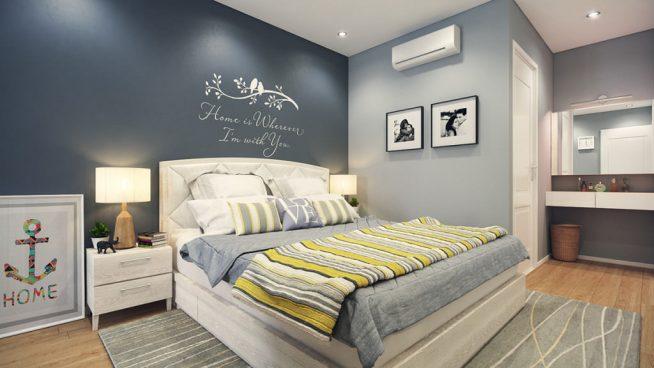 Кровать с ярким покрывалом