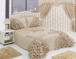 Романтичная спальня в бежевых тонах