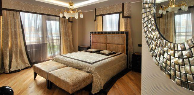 Спальня в стиле арт-деко с ламбрекеном