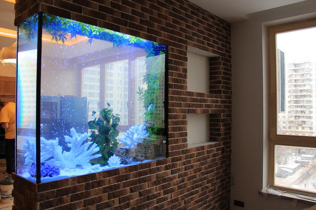 Аквариум в интерьере квартиры, в том числе согласно фен шуй,.