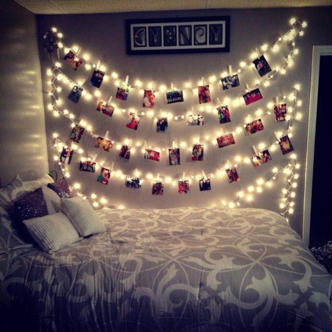 Украшение стены к Новому году с помощью светящихся гирлянд и фото