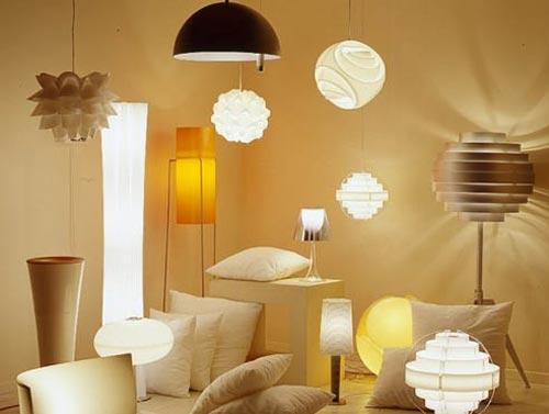 Дизайн бра и светильников в гостиной комнате