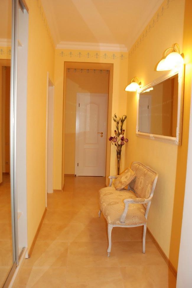 Интерьер коридора в однокомнатной квартире