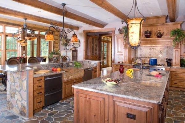 Освещение на кухне деревянного дома