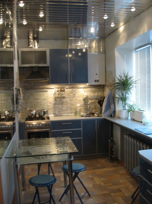 Дизайн кухни с подсветкой рабочей зоны