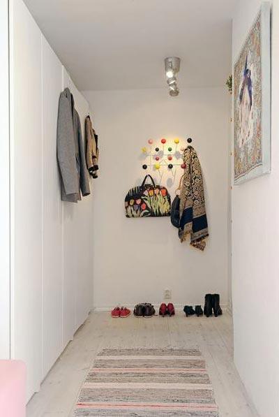 Простой дизайн коридора в панельном доме
