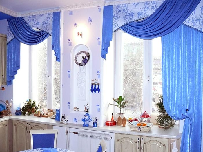 Как применить яркий дизайн штор в своем интерьере квартиры