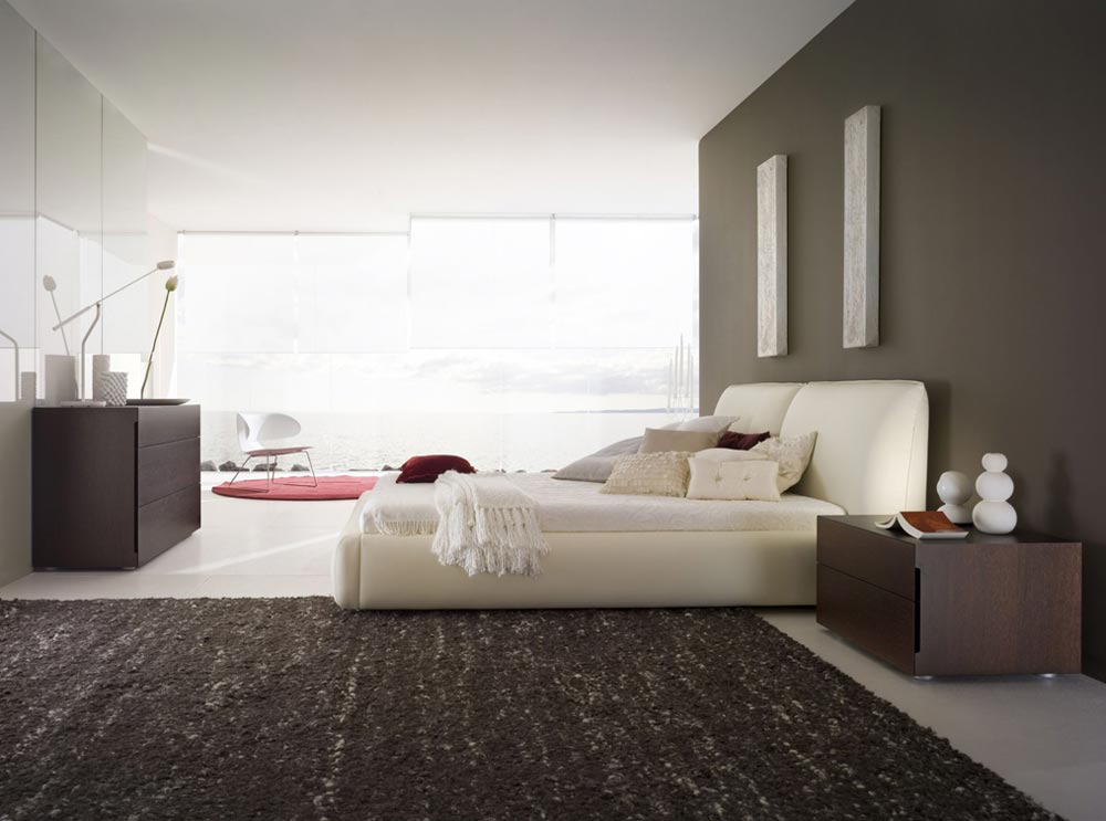 Интерьер большой спальной комнаты в квартире