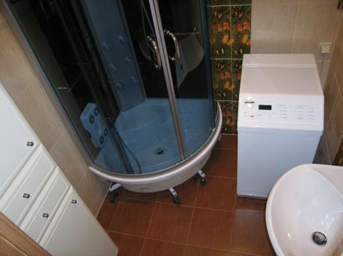 Устанавливая душевую кабинку, вы экономите место для стиральной машины
