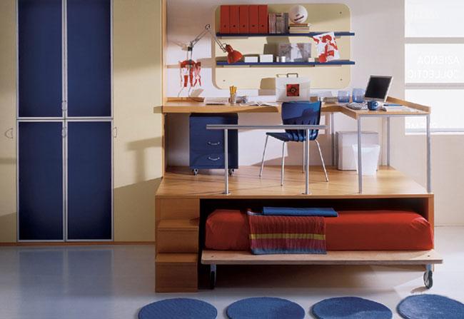 Интерьер комнаты с подиумом для подростка