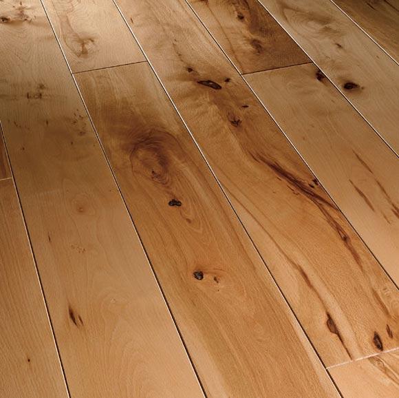 Как производится очистка деревянного пола