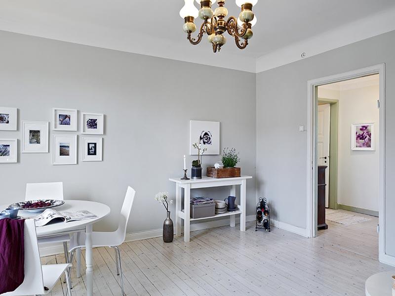 Рифма в интерьере гостиной с картинами