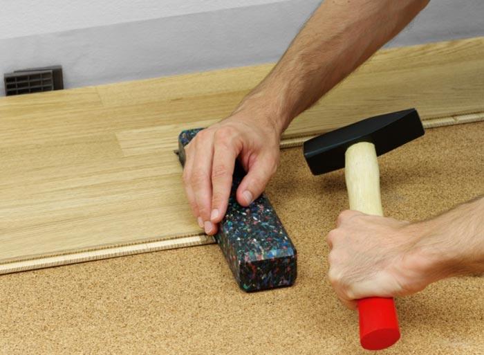 Как правильно подбивать ламинатные доски