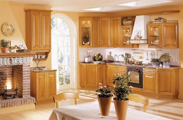 светлая кухня из дерева, деревянная кухня, деревянная кухонная мебель, кухня