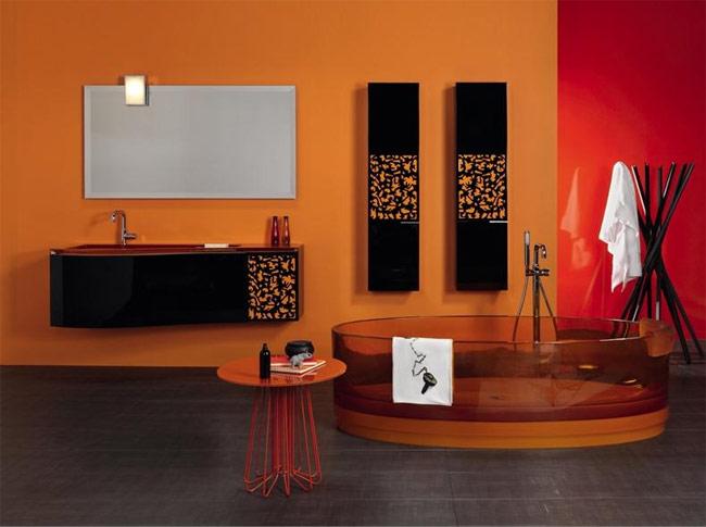 яркий интерьер, стеклянная ванна, стеклянная мебель, стеклянная сантехника, стекло в интерьере