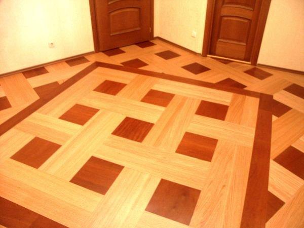 пробковый пол с геометрическим рисунком в коричневых и бежевых тонах