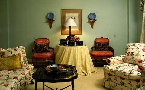 комната в винтажном стиле с яркими красками