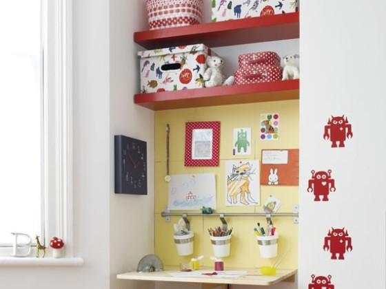 Яркая ниша в детской комнате