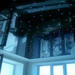 Чёрный потолок в дизайне квартиры