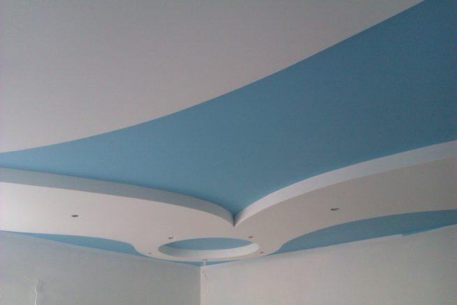 Зональная покраска потолка