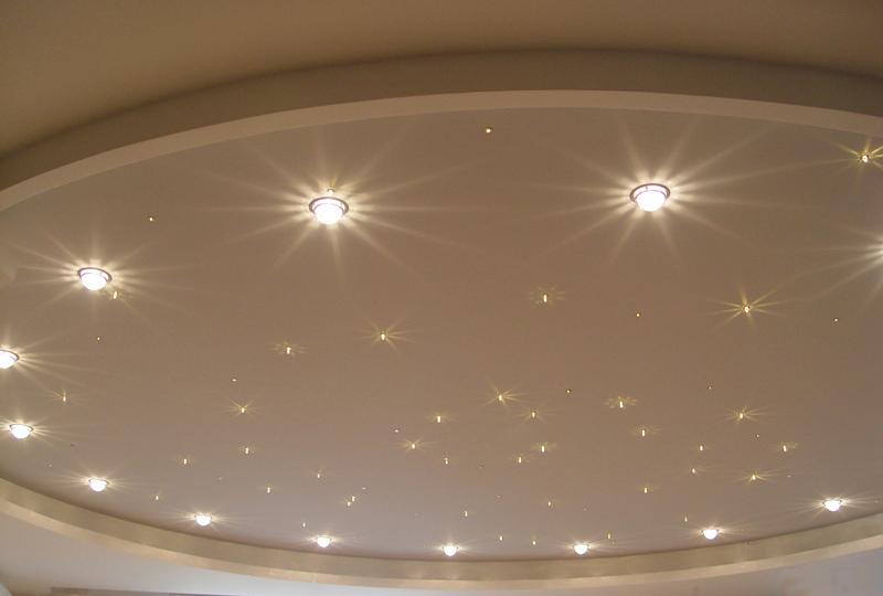 Учимся устанавливать точечный потолочный светильник