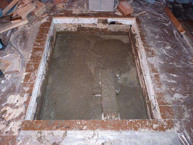 Готовый фундамент камина