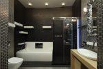 Ванная комната с металлической плиткой