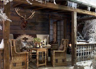 Плетённый стол и кресла