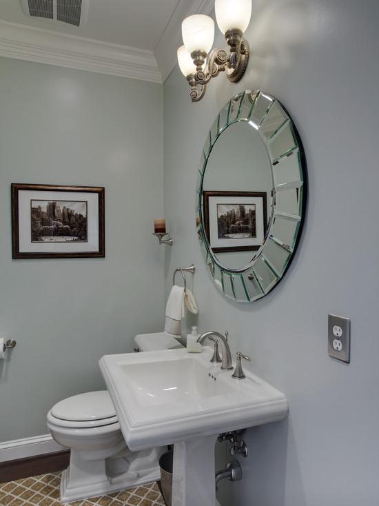 Оригинальное зеркало в ванной