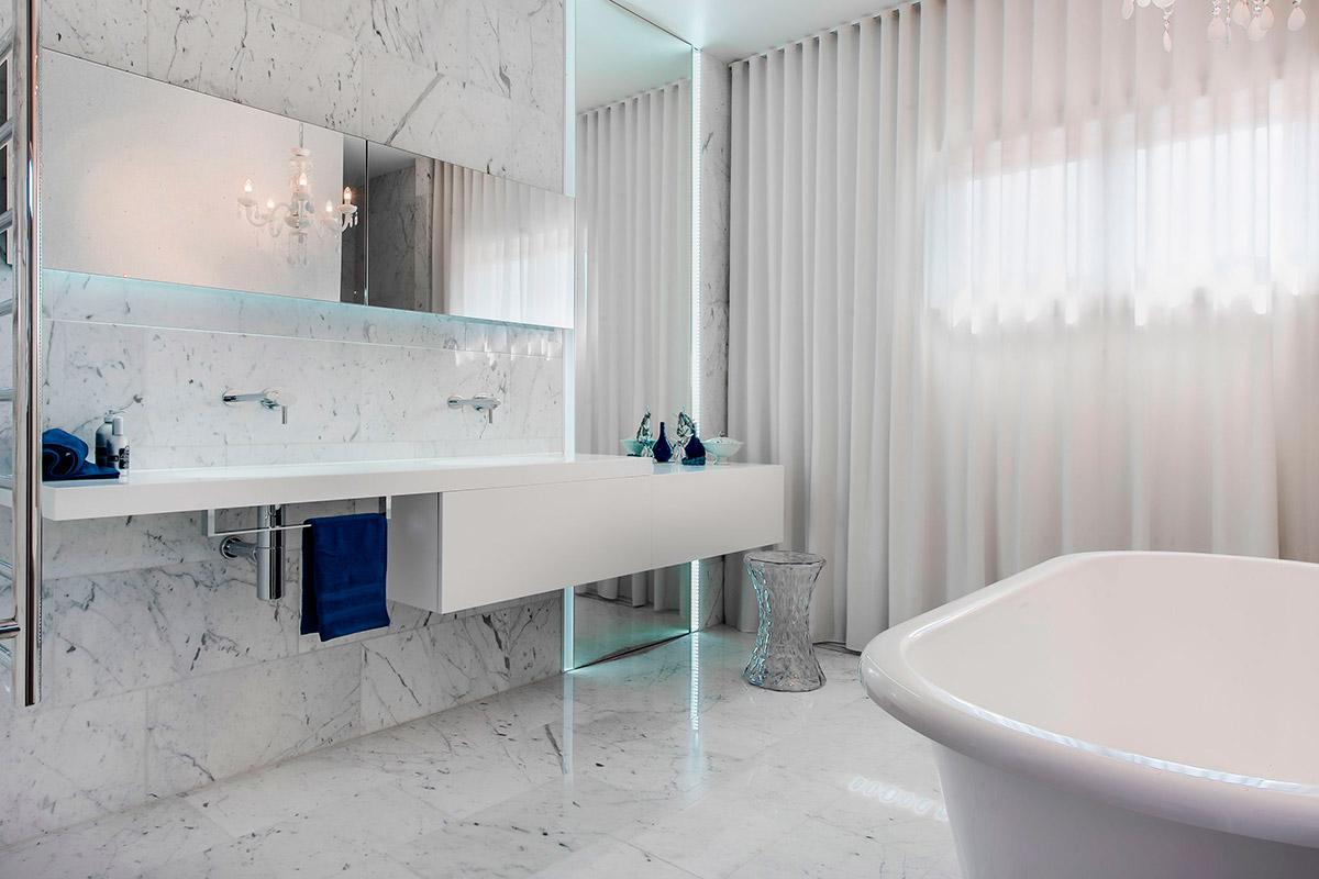 Дизайн ванной комнаты в белых тонах