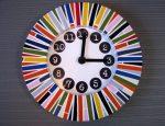 Часы в стиле поп-арт