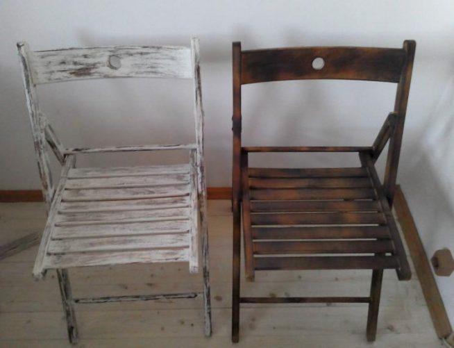 Два стула на разных этапах работы