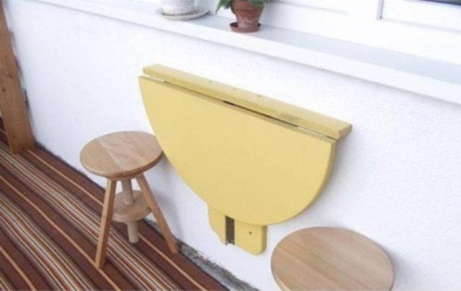 Откидной столик на маленькой лоджии