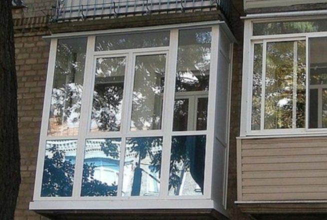 Панорамное остекление хрущёвского балкона