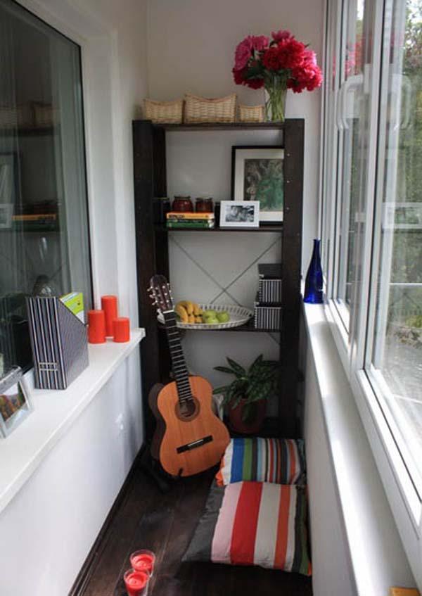 Подушки для сидения на маленьком балконе