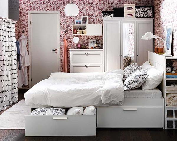Шкафы и выдвижные ящики в маленькой квартире