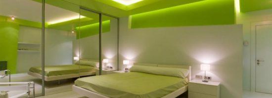 Дизайн спальни в зелёных тонах