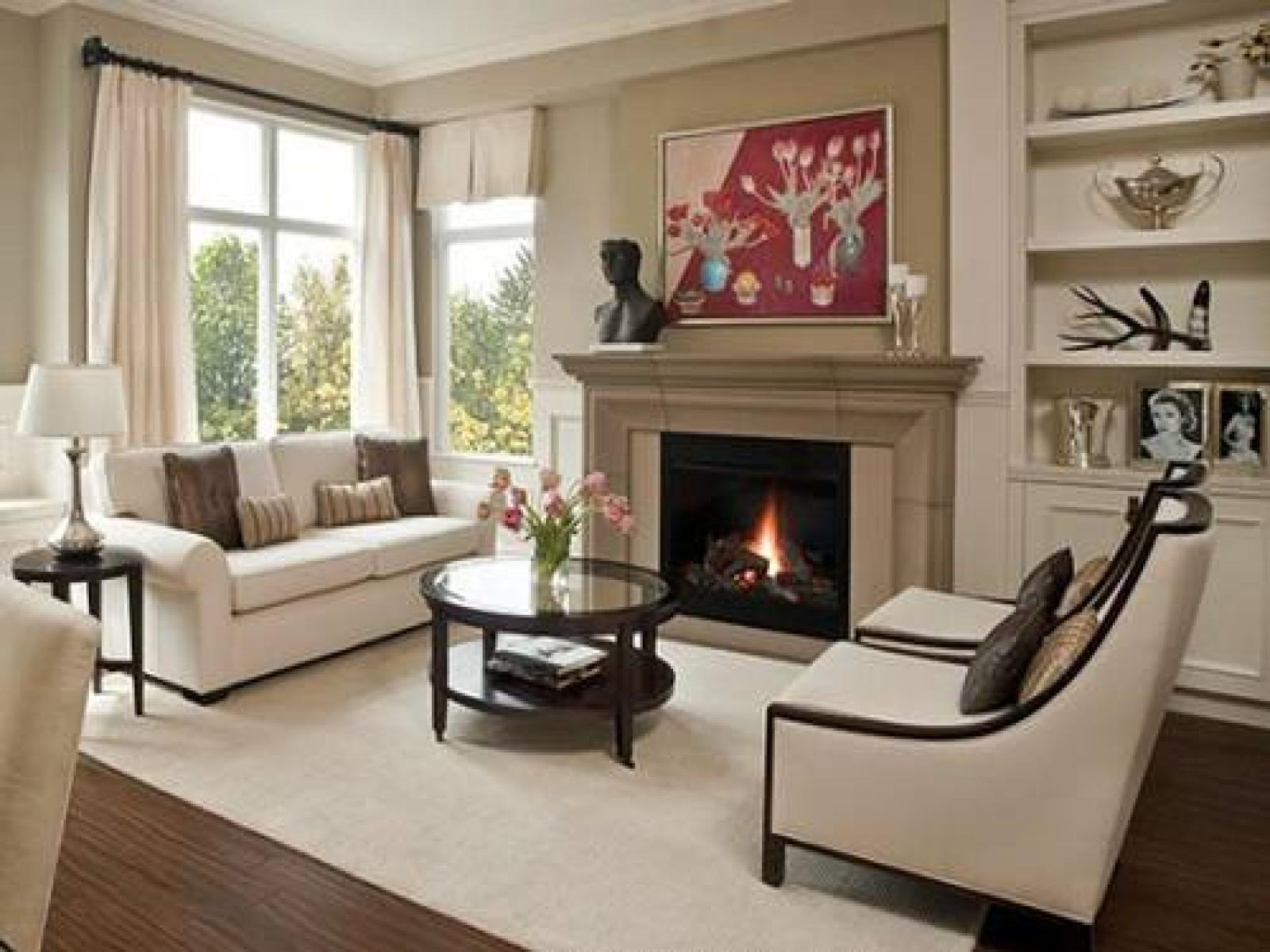 Фото гостиной с камином в современном стиле