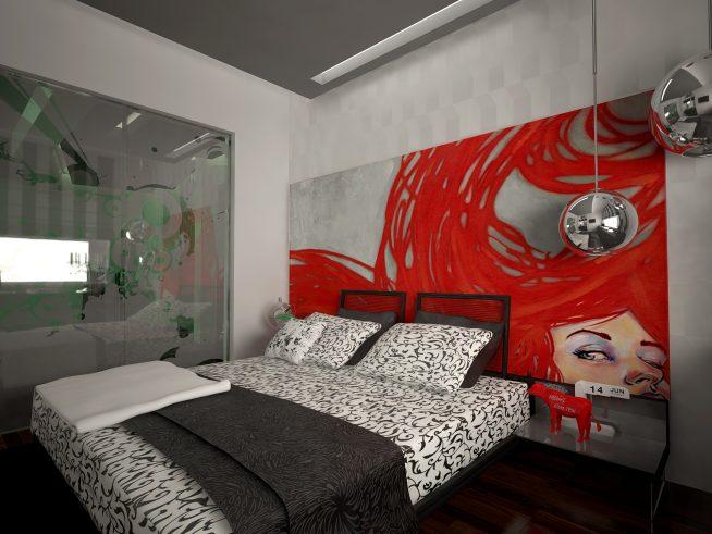 Яркая картина в серой комнате