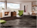 Плиточный пол в гостиной