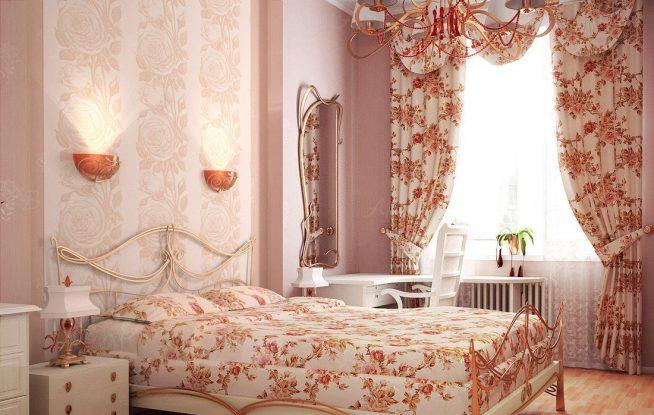 Ламбрекен в спальне прованс с цветочным принтом