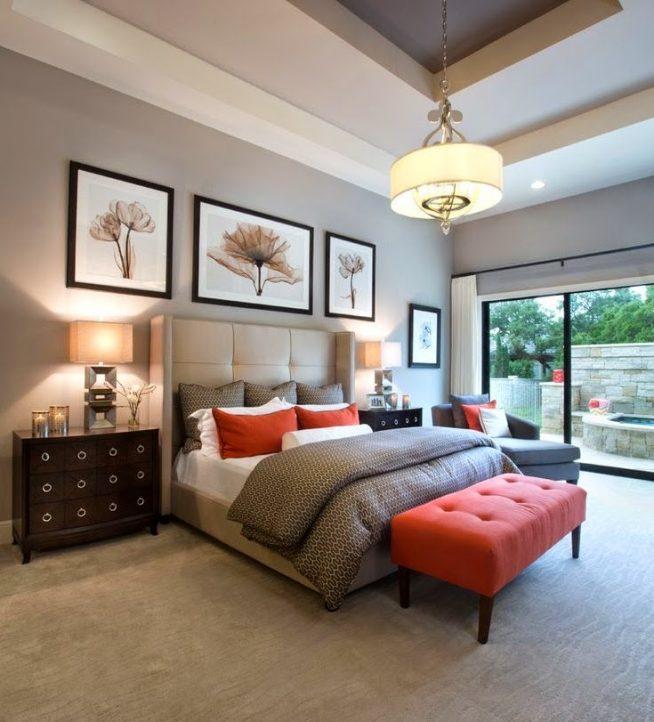 Обстановка спальни с серым и красным декором