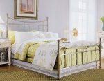 Яркий текстиль в спальне
